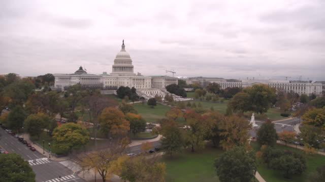 vídeos de stock, filmes e b-roll de us capitol building - capitólio estatal