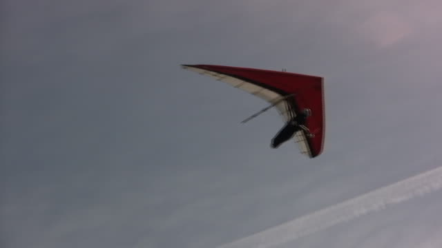 gliding free (hd) - hang gliding stock videos and b-roll footage