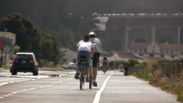 vídeos de stock e filmes b-roll de ride v.2 (hd - capacete