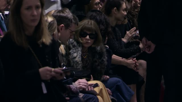 ANNA WINTOUR FRONT ROW DIOR FASHION SHOW AUTOMN WINTER 18 19