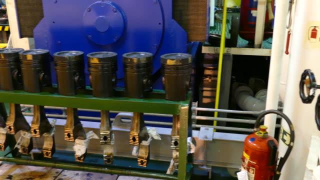 stockvideo's en b-roll-footage met zuiger - machinekamer