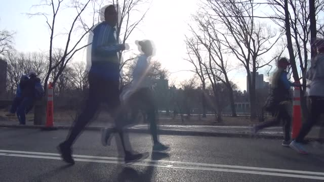 RUNNING RACE IN CENTRAL PARK SUNRISE