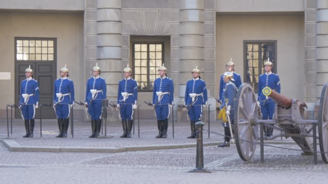 changing of the guard at the royal palace, stockholm, sweden, scandinavia, europe - sergeant stock videos & royalty-free footage