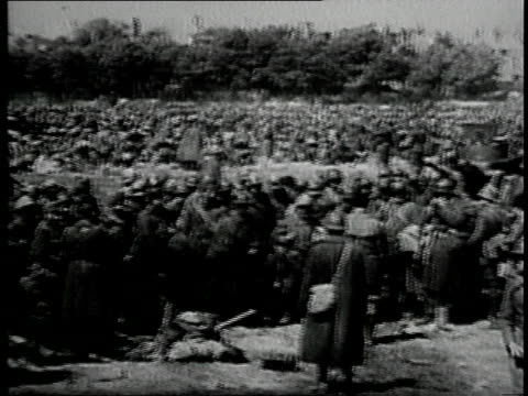 may 1940 pan french troops in dunkirk / france - evakuierung von dünkirchen stock-videos und b-roll-filmmaterial