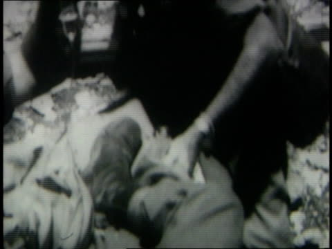 june 7 1967 montage wounded israeli soldiers on helicopter - sechstagekrieg stock-videos und b-roll-filmmaterial