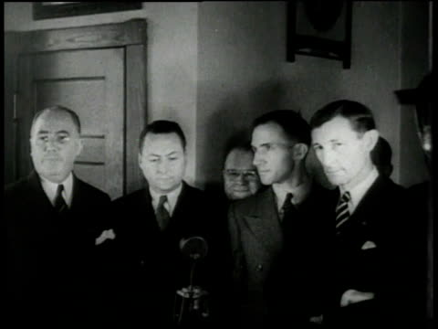 stockvideo's en b-roll-footage met hauptmann trial for lindbergh baby / flemington, new jersey - 1935
