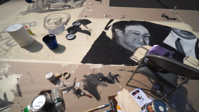 stockvideo's en b-roll-footage met 02nd july 2020: black lives matter murals appear along centre street between worth street in lower manhattan at front of courthouse. artists create... - verschijning
