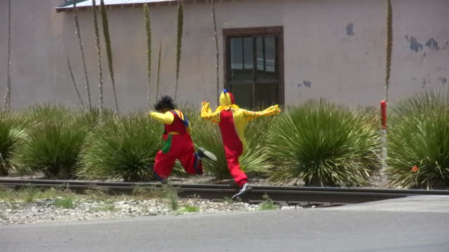 HD 1080 i Clowns liefen