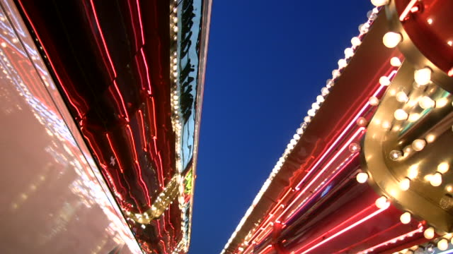 stockvideo's en b-roll-footage met hd 1080i las vegas neon lights flickering 13 - dubbeldekker bus