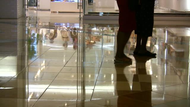 HD 1080i People walking in Las Vegas Mall 5