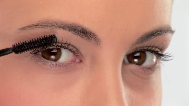 HDV 1080i60: Applying mascara