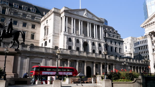 4k 10bit view of the bank of england and the royal exchange, the city, london, england, uk - international politics stock videos & royalty-free footage