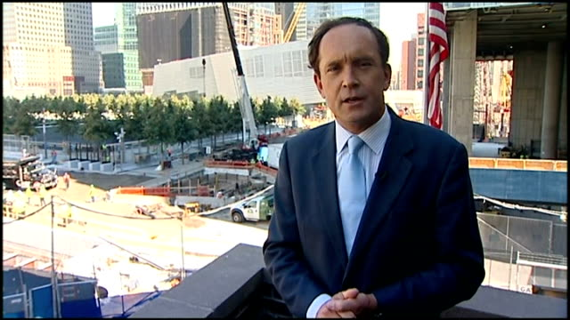 10th anniversary: itv 'tonight' documentary; new york: manhattan: reporter to camera - terroranschläge vom 11. september 2001 stock-videos und b-roll-filmmaterial
