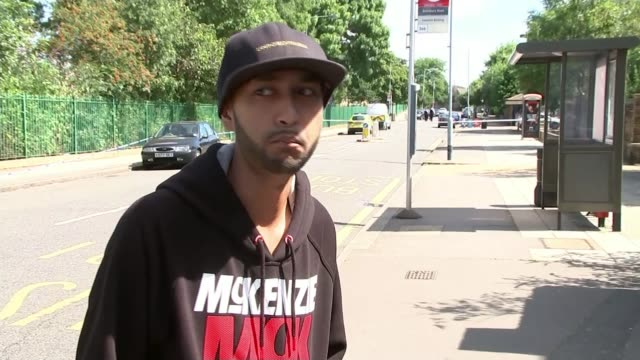 11yearold boy shot in the face while playing at park in ilford vox pop - intervista giornalistica video stock e b–roll