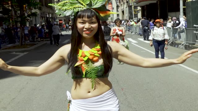 stockvideo's en b-roll-footage met 13th annual dance parade in new york city via 21st and broadway in downtown manhattan. dance parade is non-profit organization that promotes dance as... - memorial