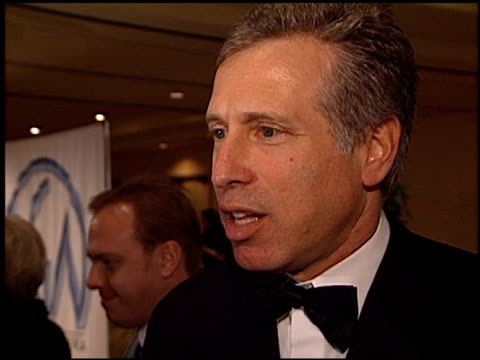 stockvideo's en b-roll-footage met 13th annual producers guild awrds at the 2002 producers guild of america awards at the century plaza hotel in century city california on march 3 2002 - century plaza