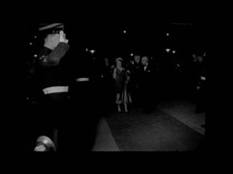 16th alamein reunion at the royal festival hall; england, london, festival hall: : field marshal bernard montgomery arrives and passed people into... - itv late evening bulletin点の映像素材/bロール