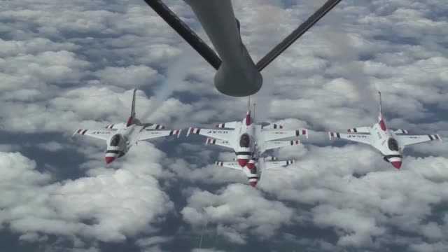 171st air refueling squadron accompanied the usaf thunderbirds to selfridge air national guard base for the air show. to make the 2000+ mile trip,... - us airforce stock videos & royalty-free footage
