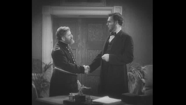 vídeos y material grabado en eventos de stock de 1860s general ulysses s. grant and president lincoln shake hands - ulysses s grant