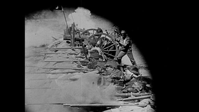vídeos de stock, filmes e b-roll de 1860s the confederacy charges the union in civil war battle - exército da união