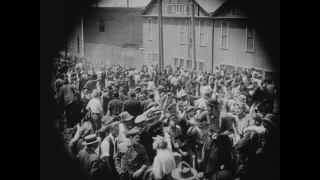 1910s employees go on strike upon learning of their wage decrease - streik stock-videos und b-roll-filmmaterial