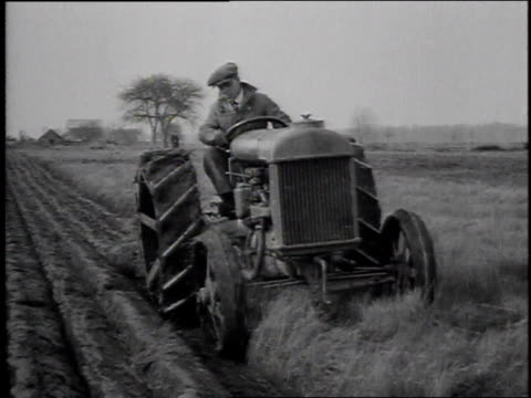 1910s MS farmer plowing a field/ United States