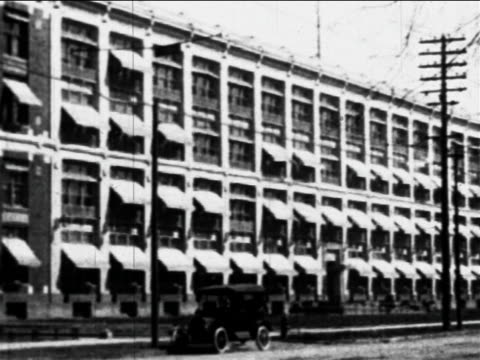 B/W 1910s large factory building  / Ford factory, Highland Park, MI / industrial