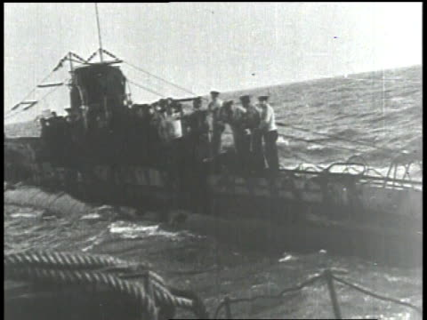 1910s WS submarine riding on the waves