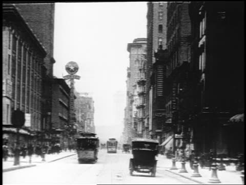 stockvideo's en b-roll-footage met b/w 1910s trolley point of view up broadway / nyc / documentary - 1915