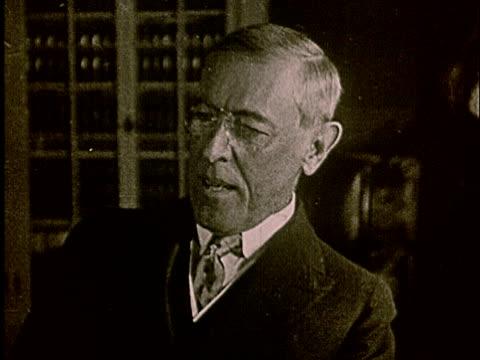 stockvideo's en b-roll-footage met 1920s ms woodrow wilson talking - woodrow wilson