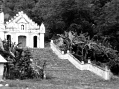 vídeos y material grabado en eventos de stock de 1930s b/w montage old ruin site with church / haiti - hispaniola