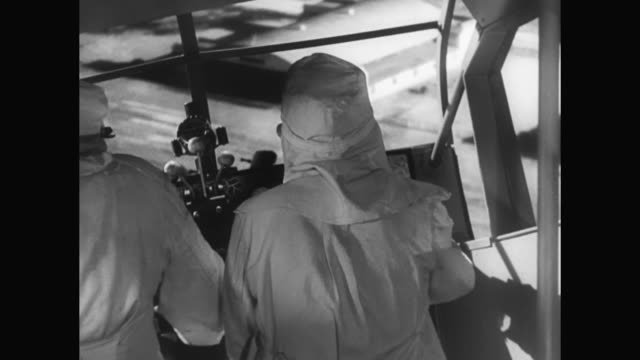 1930s laurel and hardy behind the wheel of an airplane proves disastrous - 1930 1939 stock-videos und b-roll-filmmaterial