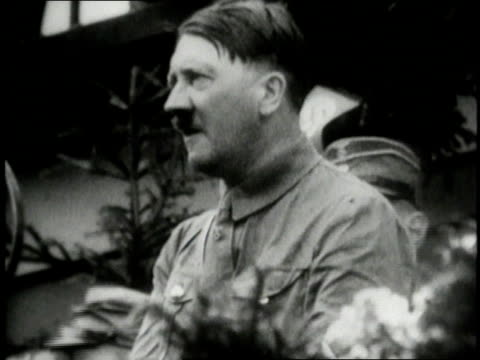 vídeos de stock, filmes e b-roll de 1930s montage adolf hitler giving a speech / germany - adolf hitler