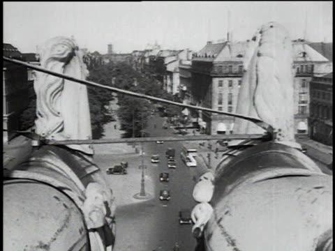 1930s MONTAGE Views of busy Berlin street / Berlin, Germany