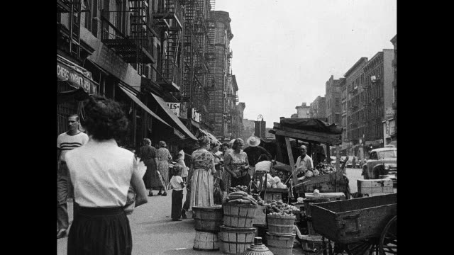 1930s new york city outdoor neighborhood produce stands - lower east side bildbanksvideor och videomaterial från bakom kulisserna