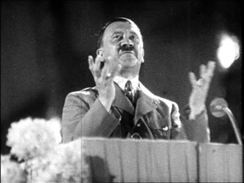 vídeos de stock, filmes e b-roll de 1940s adolf hitler giving impassioned speech / educational - adolf hitler
