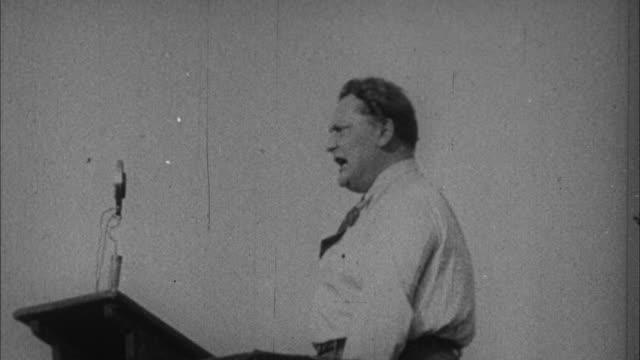 stockvideo's en b-roll-footage met 1940s b/w montage adolf hitler and herman goering / germany - hitler speech