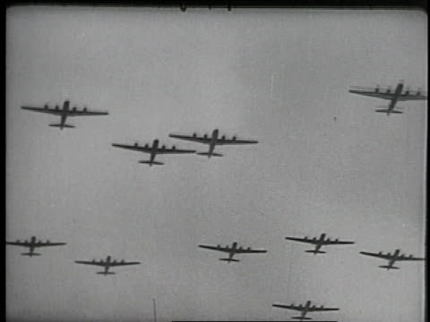 vídeos de stock e filmes b-roll de 1940s montage bombers and fighter planes in action during wwii / germany - avião bombardeiro