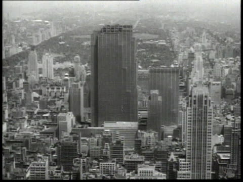 1940s montage the rca building / new york city, new york, united states - 1945 stock-videos und b-roll-filmmaterial