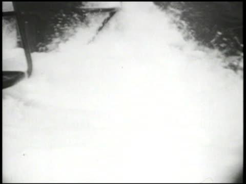 vídeos de stock, filmes e b-roll de united states navy ms us navy submarine amp tower diving into amp underwater vs submarine moving underwater int vs hands w/ compass plotting... - compasso