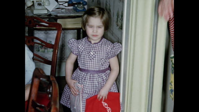 1950s 4 year old girl birthday party - Home Movie