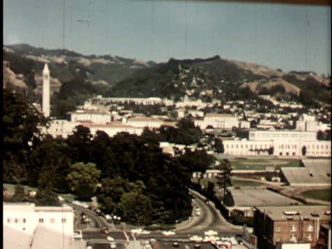 1950s ws, ha, berkeley university campus, 1950's, california, usa - nordkalifornien stock-videos und b-roll-filmmaterial