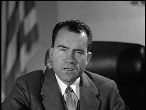 1950s close up vice president richard m. nixon giving speech - 副代表点の映像素材/bロール