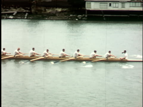 vidéos et rushes de 1950s ws, ha, ts, crew team rowing, berkeley, california, usa - bateau à rames