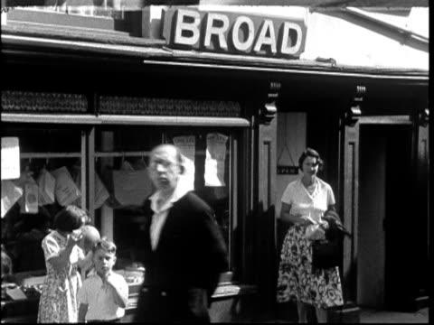 1950s shopping
