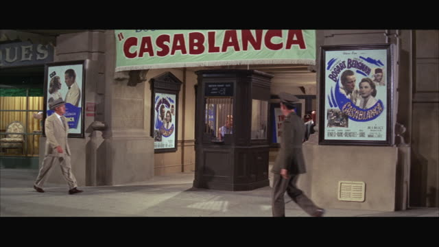 vidéos et rushes de 1960s ws front and entrance of casablanca theater - panneau d'entrée