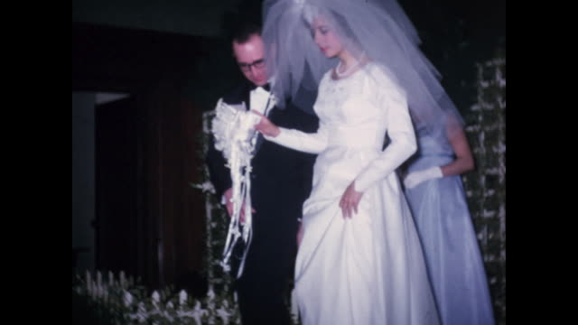1960s home movie - wedding - first dance, traditional dance, cake - matrimonio video stock e b–roll