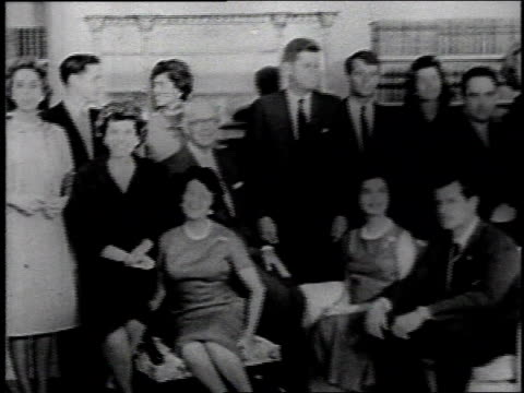 vídeos y material grabado en eventos de stock de 1960s ws kennedy family posing for group portrait / united states - senador