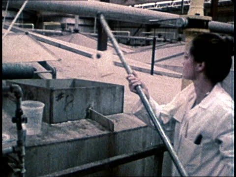 vídeos de stock, filmes e b-roll de 1960s montage ethanol production / usa - etanol