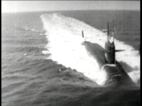 1960s polaris submarine sailing in the ocean - 北極星点の映像素材/bロール